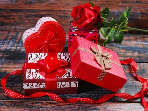 Τι δώρο να κάνεις στο σύντροφό σου την ημέρα του Αγίου Βαλεντίνου βάσει του ζωδίου του