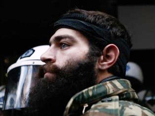 Τρελαίνει πάλι την Αθήνα ο sexy Κρητικός - «Εμείς δεν «κ@λώνουμε, να το κατέχετε»