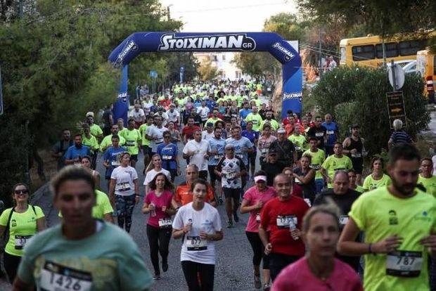 Με απόλυτη επιτυχία διεξήχθη το 1ο Acropolis Night Run (photos)