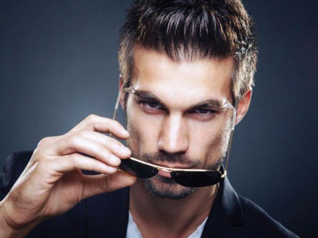 5 πράγματα που πρέπει να ξέρεις πριν «μπλέξεις» με άντρα Σκορπιό