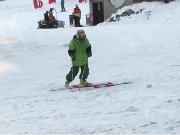 Ξεκαρδιστικό! Όταν προσπαθείς να κάνεις σκι μεθυσμένος! (video)