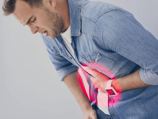 Πέντε σημάδια που δείχνουν ότι μάλλον έχετε έλκος στο στομάχι