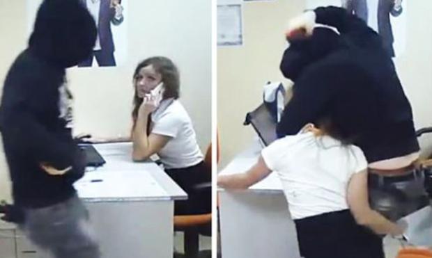 Μπήκε στο γραφείο της με σκοπό να τη ληστέψει. Λίγο αργότερα το μετάνιωσε πικρά (Video)