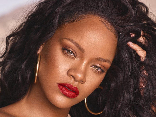 Σε βαρύ πένθος η Rihanna. H σταρ βρίσκεται σε πολύ άσχημη ψυχολογική κατάσταση