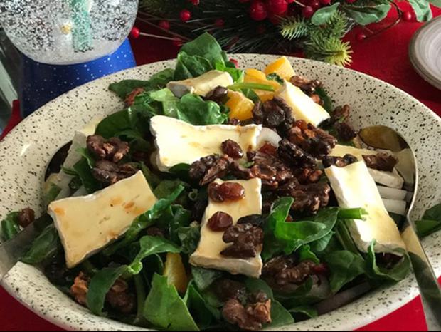 Η πιο νόστιμη σαλάτα με σπανάκι (για να ξαναβρούμε τη φόρμα μας)