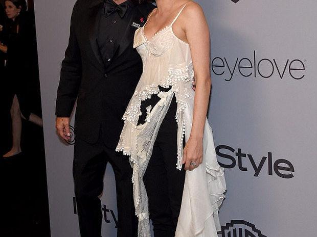 Καιρός ήταν! Το ζευγάρι κάνει την 1η red carpet εμφάνιση του και το φιλί του τον γύρο του διαδικτύου