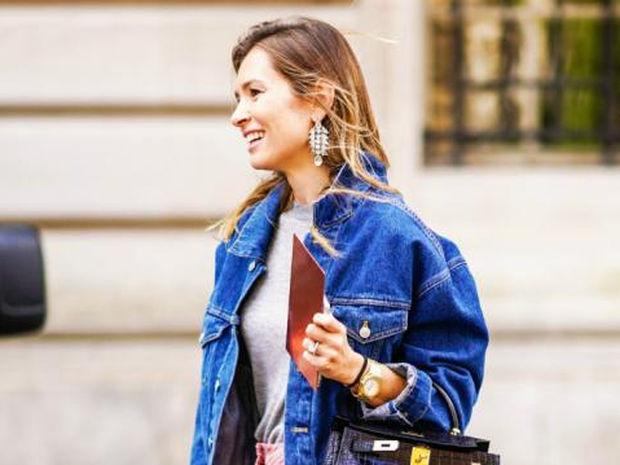 Τα νέα σκουλαρίκια είναι glamorous και πιο εντυπωσιακά από ποτέ