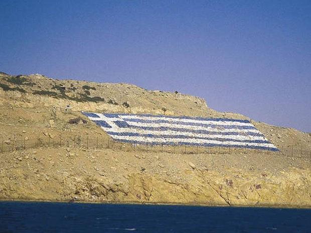 Επικίνδυνα «παιχνίδια» από Γιλντιρίμ: «Κατεβάσαμε ελληνική σημαία από βραχονησίδα στο Αιγαίο»