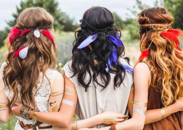Coachella inspo: Τα πιο bohemian χτενίσματα που μπορείς να δοκιμάσεις