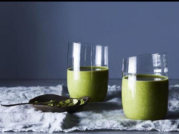 Ξεκινάμε τα μαγικά πράσινα smoothies, γιατί το καλοκαίρι πλησιάζει ή μάλλον... ήρθε