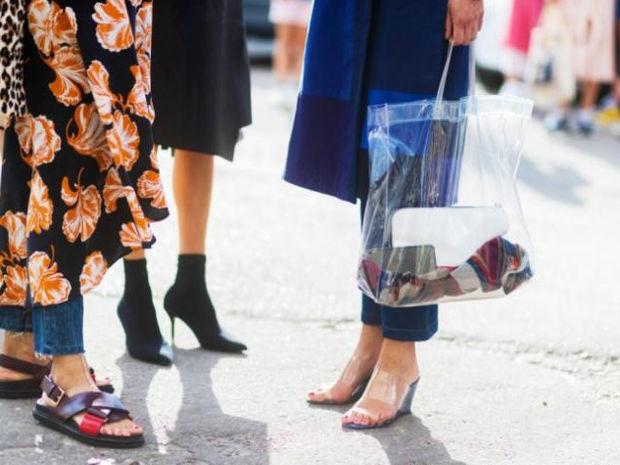 Διάφανη τσάντα: Η νέα εμμονή των IT girls και πώς να την υιοθετήσεις
