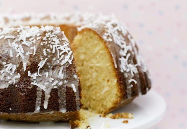Cake καρύδας μόνο με 170 θερμίδες το κομμάτι