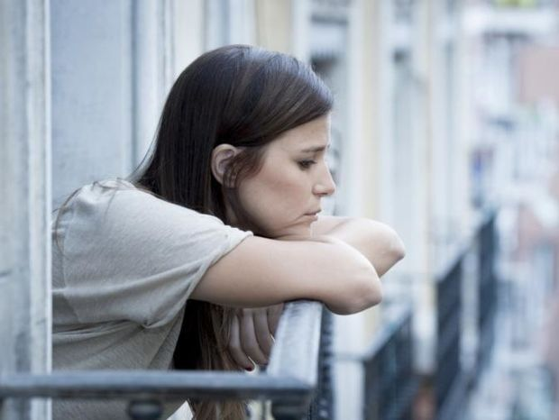 Θέλεις να μειώσεις τις πιθανότητες κατάθλιψης; Αυτή τη βλαβερή συνήθεια πρέπει να κόψεις