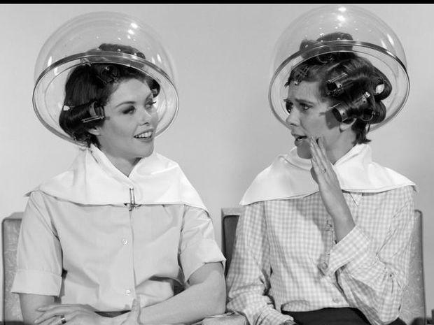 Κουτσομπολεύεις με τις φίλες σου; Η επιστήμη χειροκροτά