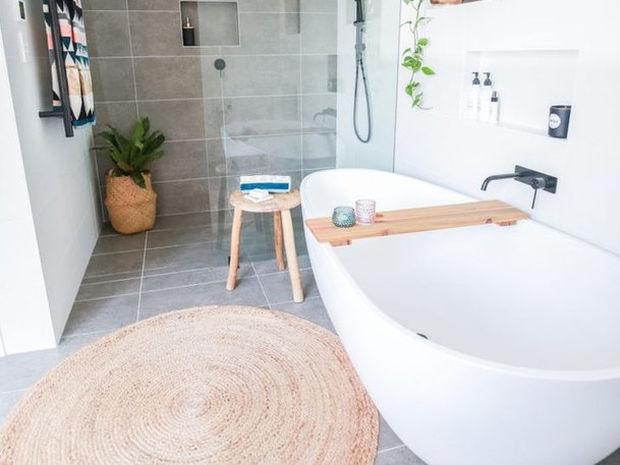 6 αντικείμενα που δεν πρέπει να αποθηκεύεις στο μπάνιο