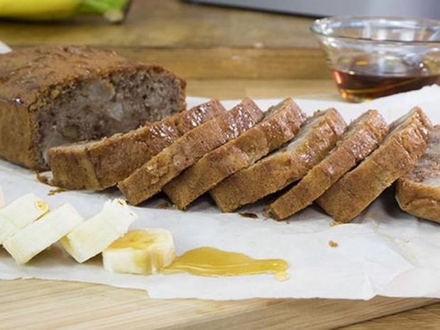 Κέικ με μπανάνα και αχλάδι: Δείτε την πεντανόστιμη συνταγή του Γιώργου Τσούλη