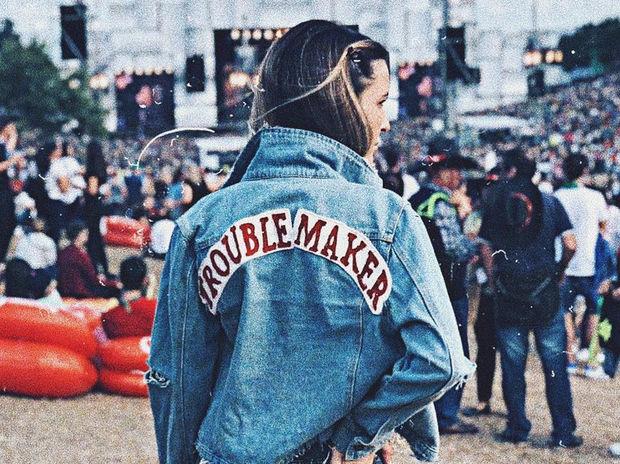 Fashion Guide: 10 denim jackets που πρέπει να αποκτήσεις... χθες!