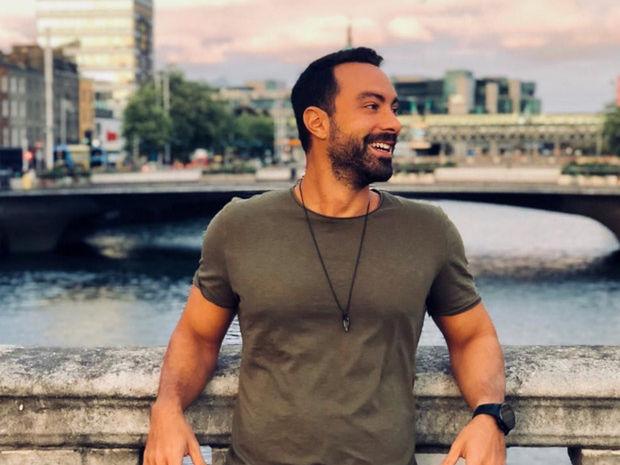 O Σάκης Τανιμανίδης απαντά στο αν θα είναι τελικά παρουσιαστής του Survivor 3