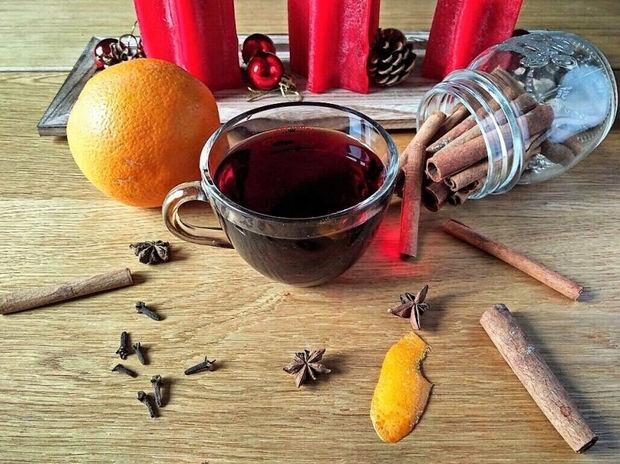 Glühwein ζεστό γλυκό κρασί