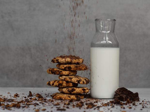 Μπισκότα βρώμης με σοκολάτα και μπανάνα