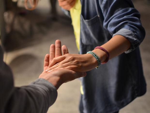 7 σημάδια που δείχνουν ότι σε θέλει όσο τον θες