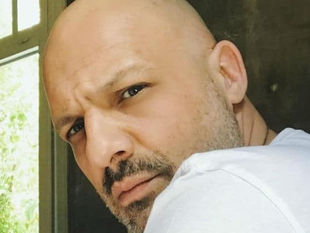 Νίκος Μουτσινάς: O Παρθένος «ξεμπλόκαρε» και κατακτά τα νούμερα τηλεθέασης