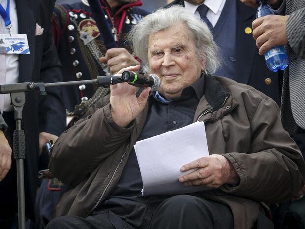 Μίκης Θεοδωράκης: Βγήκε από το νοσοκομείο ο μεγάλος μουσικοσυνθέτης