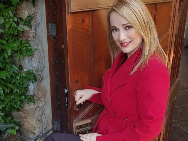 Το συγκινητικό μήνυμα της Νίκης Παλληκαράκη στο Facebook για την μητέρα της (pics)