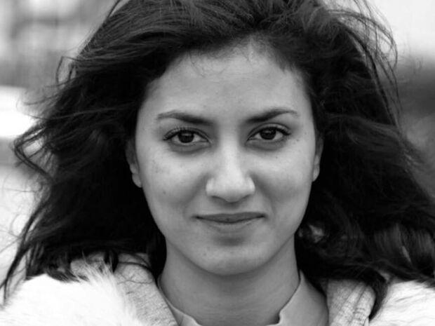 Είναι κόρη πασίγνωστου Έλληνα ηθοποιού - Την αναγνωρίζετε; (pics&vid)