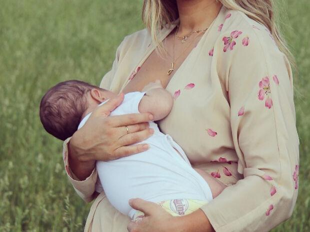 Με αφορμή τα πρώτα γενέθλια του γιου της δημοσίευσε αυτή την τρυφερή φωτογραφία (pics)