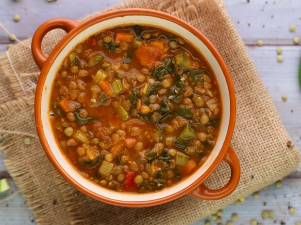 Σούπα με φακές και λαχανικά