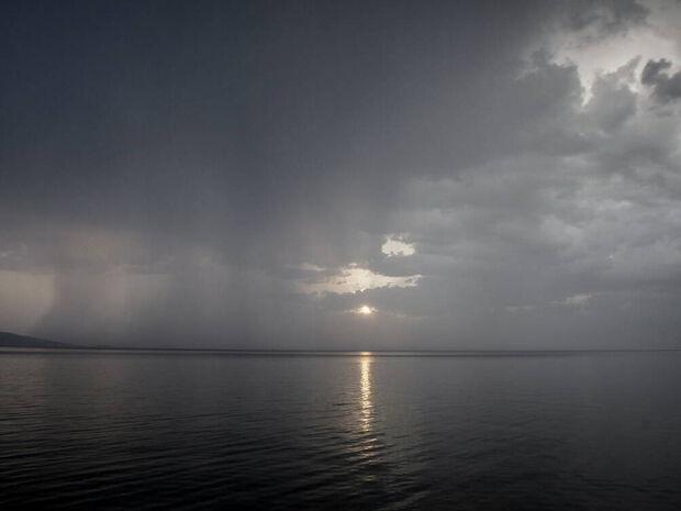 Καιρός τώρα: Με βροχές και καταιγίδες η Παρασκευή - Πού και πότε θα «χτυπήσουν» τα φαινόμενα (pics)