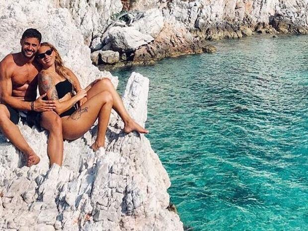 Βαλαβάνη-Βασάλος: Οι διακοπές τους ξεκίνησαν - Καρέ καρέ οι ερωτικές στιγμές τους (photοs)